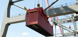 Bringing innovation to container terminals in European ports to reduce carbon emissions