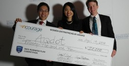 Jing Zhang and her colleagues receive a prize