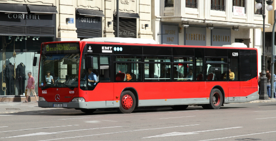 Valencian Pioneers propose a system to endow solar energy to public transport vehicles